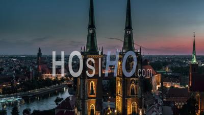 Cathédrale Saint-Jean-Baptiste, Katedra Swietego Jana Chrzciciela, Vieille Ville, Stare Miasto, Wroclaw, Nuit, Vidéo Drone