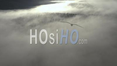 Paysage Clouscape Avec Nuages Au-Dessus - Vidéo Drone