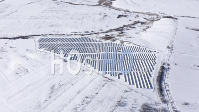 Centrale Photovoltaïque En Hiver - Vidéo Drone