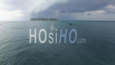 Observation Des Baleines Au Large D'isla Conadora, à Las Perlas Au Panama - Vidéo Drone