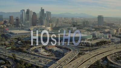 Vue Aérienne De Los Angeles Flyinglos Angeles Californie Sur Autoroutes Du Centre-Ville - Vidéo Drone