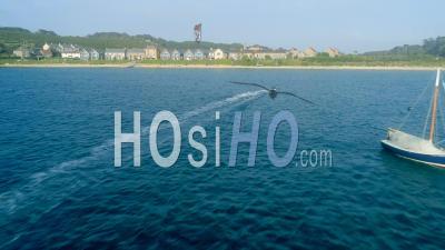 Kite Surfer De La Côte Des îles Scilly Uk - Vidéo Drone