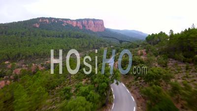 Poursuite De Voiture Sur Mountain Road, Vidéo Drone