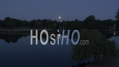 Drone Video Hyde Park Sculpture Serpentine Isis Londres Royaume-Uni - Vidéo Drone
