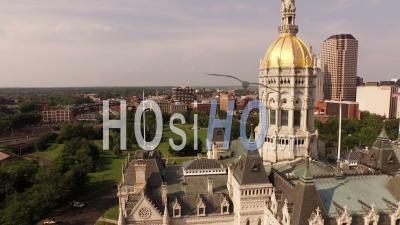 Vol Bas Au-Dessus De State Capitol Building Hartford Connecticut - Vidéo Drone