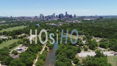 Acl Austin City Limits Et Le Centre-Ville D'austin, Texas, États-Unis D'amérique - Vidéo Drone