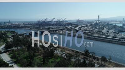 Port à Long Beach Le Jour Du Printemps