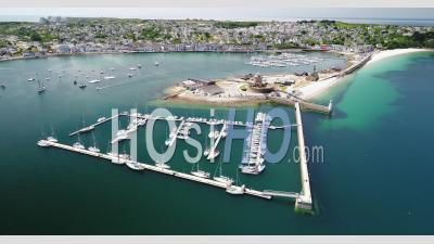 Port De Camaret Sur Mer En Bretagne