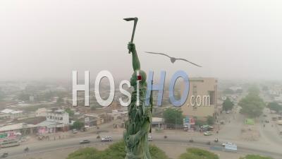 La Place De L'étoile Rouge à Cotonou, Vidéo Drone