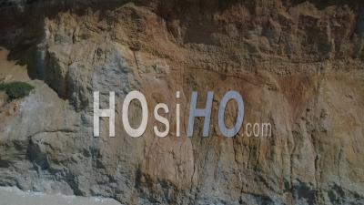 Vue Aérienne De La Plage De Mine D'or à Pénestin, Morbihan, France - Vidéo Drone