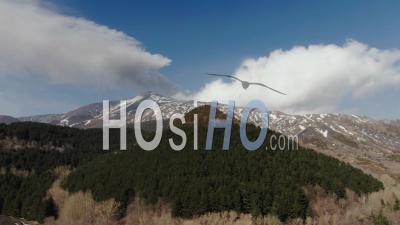 Vue Aérienne De Chariot De L'etna En Hiver, Le Plus Grand Volcan D'europe - Vidéo Drone