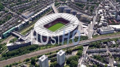 Le Stade De Football Emirates à Londres Filmé Par Hélicoptère