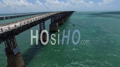 Vue Aérienne Du Vieux Pont Honda Bahia Dans Les Florida Keys - Vidéo Drone