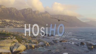 12 Apôtres Et Clifton Beach Bungalows - Vidéo Drone