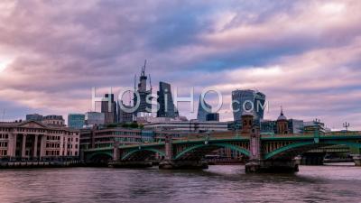 La Skyline De La Ville De Londres Au Coucher Du Soleil