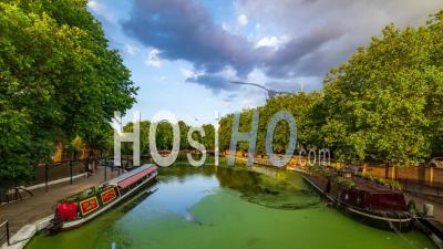 Canaux Et Bateaux Dans La Petite Venise à Londres