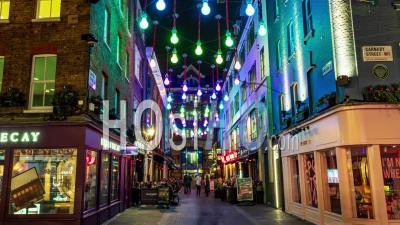 Carnaby Street à Londres Dans La Nuit