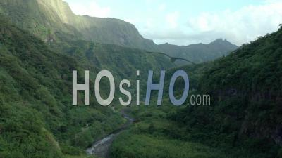 Montagnes De Tahiti