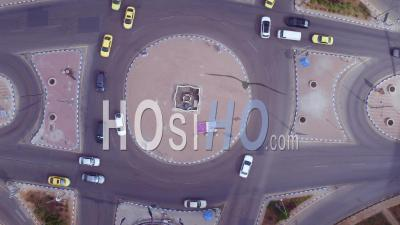 Du Rond-Point Ou Du Rond-Point Avec Circulation Automobile, Amman, Jordanie - Vidéo Par Drone