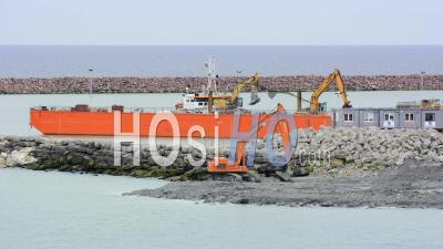 Time Lapse, Excavator Flatting The Foundation Of An Pier