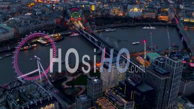 London Eye, Waterloo, South Bank Et Le Parlement, Londres La Nuit, Filmé En Hélicoptère