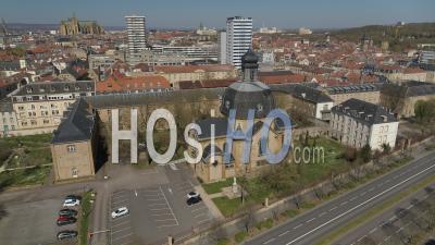 Ville Vide De Metz Pendant Le Confinement En Raison De Covid-19 - Grand Seminaire De Metz - Vidéo Drone