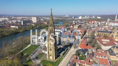 Ville Vide De Metz Pendant Le Confinement En Raison De Covid-19 - Temple De Garnison - Vidéo Drone