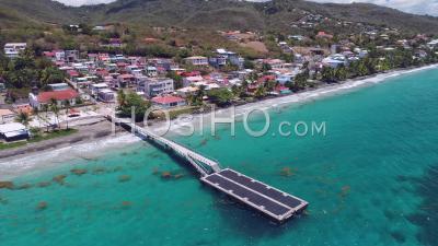 Confinement Pour Covid-19 Au Diamant, Martinique, Par Drone