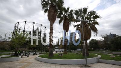 Place Déserte, Gazi, Confinement Dans Le Centre-Ville D'athènes, Grèce