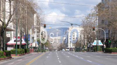 Panepistimiou Avenue Déserte, Confinement Dans Le Centre-Ville D'athènes, Grèce