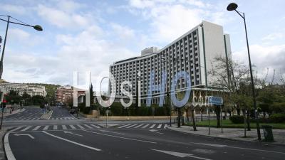 Rues Désertes En Face De L'hôtel Hilton Athènes, Confinement Athènes Grèce