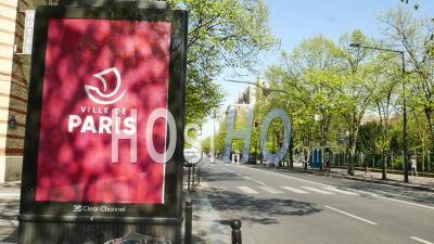 Panneau Ville De Paris Dans La Ville Vide