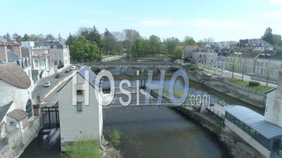 Le Grand Pont Et La Sauldre à Romorantin, France