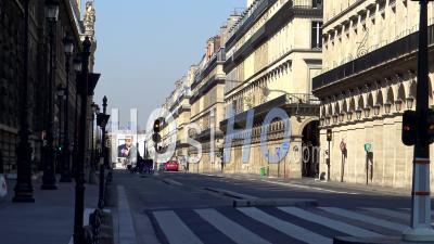 Paris Sous Confinement Du Coronavirus, Rue Rivoli