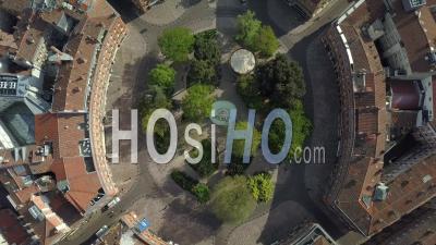 Ville De Toulouse, Centre Ville, President Thomas Wilson Place And Garden -  Vidéo Par Drone