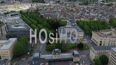 La Préfecture Du Calvados Et La Rue Du Désert Pendant Le Confinement En Raison De Covid-19 - Vidéo Drone