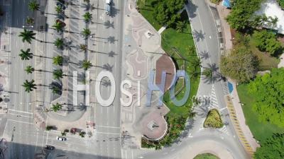Images Aériennes Covid-19 Du Centre-Ville De Miami, American Airlines Arena. - Vidéo Drone