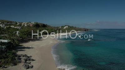 Covid-19-Vide Plage Touristique De Boucan Canot à Saint Paul, Ile De La Réunion - Vidéo Drone