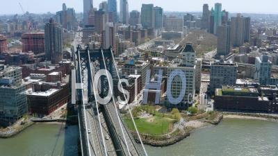 Pont De Manhattan à New York Pendant La Pandémie De Covid-19 - Vidéo Drone