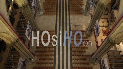 Vol En Intérieur Dans La Cathédrale Notre Dame De La Treille – Vidéo Par Drone