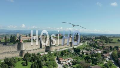 La Ville Fortifiée De Carcassonne - Séquence Vidéo De Drone