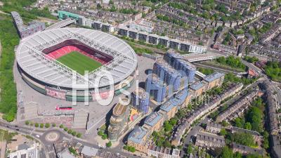 Emirates Football Stadium, Highbury, Pendant Le Confinement Du Au Covid-19, Londres Filmé Par Hélicoptère