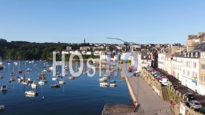 Vue Globale De Douarnenez Depuis Le Port De Rosmeur, Par Drone, Finistère, Bretagne, France