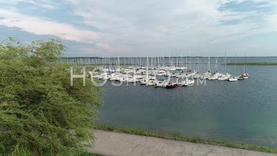 Port De Voile De Saint Marie Du Lac - Vidéo Aérienne Par Drone