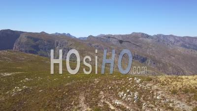 Haut De La Montagne En Afrique Du Sud - Vidéo Aérienne Par Drone