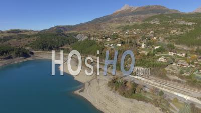 Rives Du Lac De Serre-Ponçon - Vidéo Drone