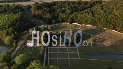 Images Aériennes De L'abbaye De Port-Royal Et Des Jardins Formels - Vidéo Aérienne Par Drone