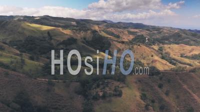 Paysage De Forêt Tropicale, Forêt Nuageuse De Monteverde, Costa Rica. Prise De Vue Drone