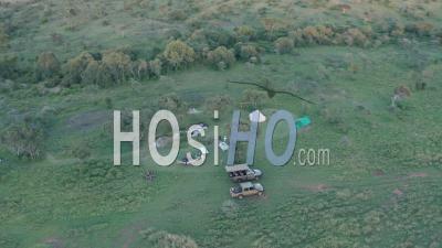 Safari De Luxe En Camping Bush à Laikipia, Kenya, Afrique. Vidéo Aérienne Par Drone