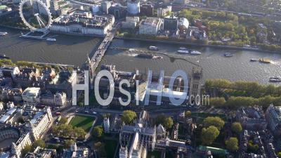 Westminster, Chambres Du Parlement Et Tamise, Londres, Filmé En Hélicoptère